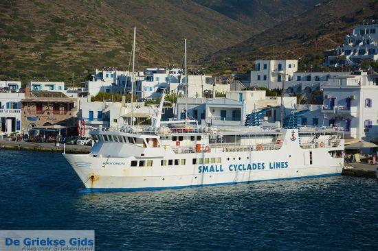 Met de boot in Griekenland eilandhoppen van Cycladen eiland naar Cycladen eiland